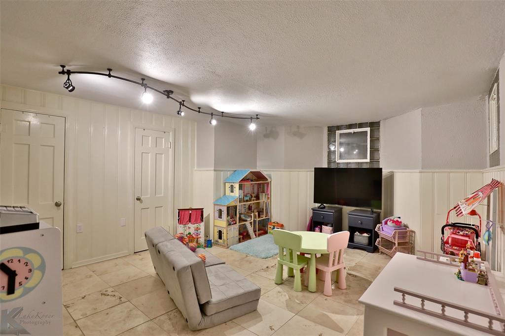 801 Rivercrest  Drive, Abilene, Texas 79605 - acquisto real estate best looking realtor in america shana acquisto