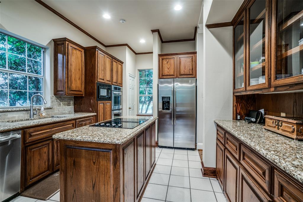 2209 Creekside  Circle, Irving, Texas 75063 - acquisto real estate best luxury buyers agent in texas shana acquisto inheritance realtor
