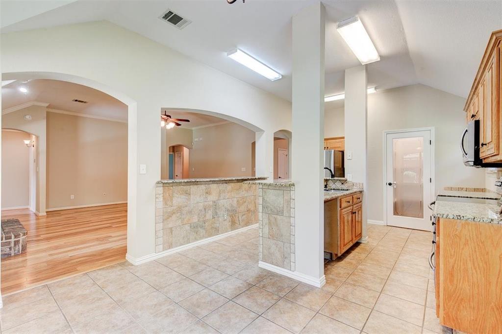 4407 Cluster Oak  Court, Granbury, Texas 76049 - acquisto real estate best designer and realtor hannah ewing kind realtor