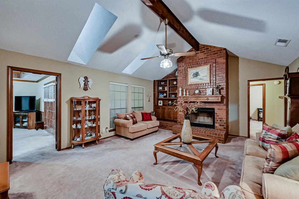 1209 Clubhouse  Drive, Mansfield, Texas 76063 - acquisto real estate best highland park realtor amy gasperini fast real estate service