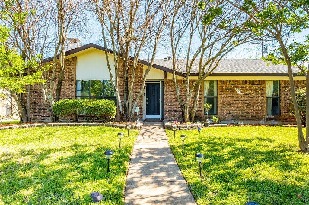 2718 Ivanridge  Lane, Garland, Texas 75044 - Acquisto Real Estate best plano realtor mike Shepherd home owners association expert