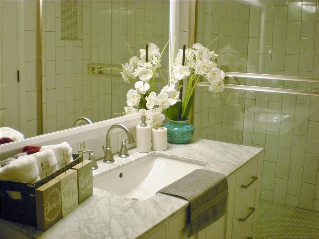 320 Avenue G  Garland, Texas 75040 - acquisto real estate best new home sales realtor linda miller executor real estate