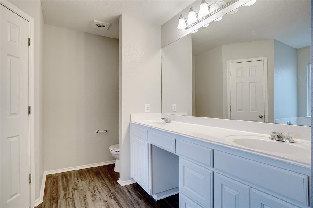 1015 Vinewood  Avenue, Burleson, Texas 76028 - acquisto real estate best new home sales realtor linda miller executor real estate