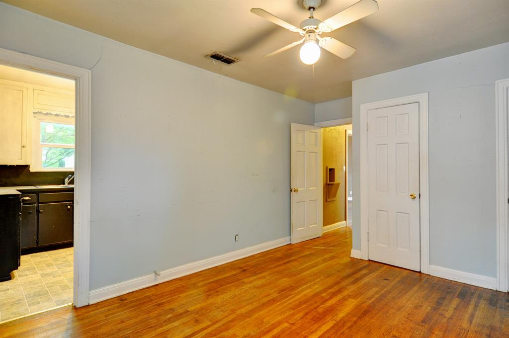 4921 Pershing  Avenue, Fort Worth, Texas 76107 - acquisto real estate best new home sales realtor linda miller executor real estate