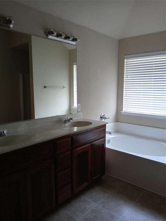 229 Creekside  Drive, Saginaw, Texas 76131 - acquisto real estate best celina realtor logan lawrence best dressed realtor