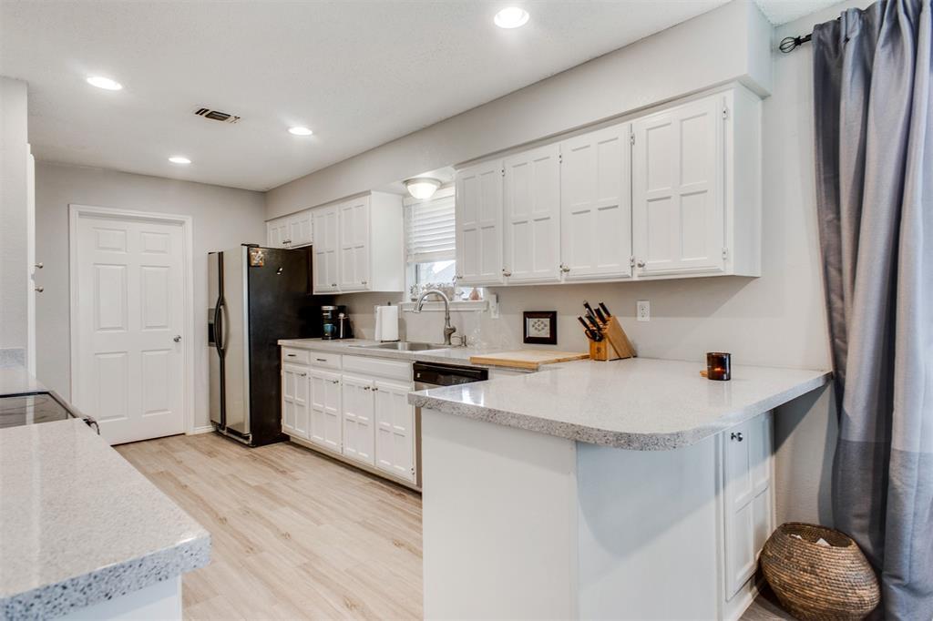 4606 Mandalay  Drive, Arlington, Texas 76016 - acquisto real estate best listing agent in the nation shana acquisto estate realtor