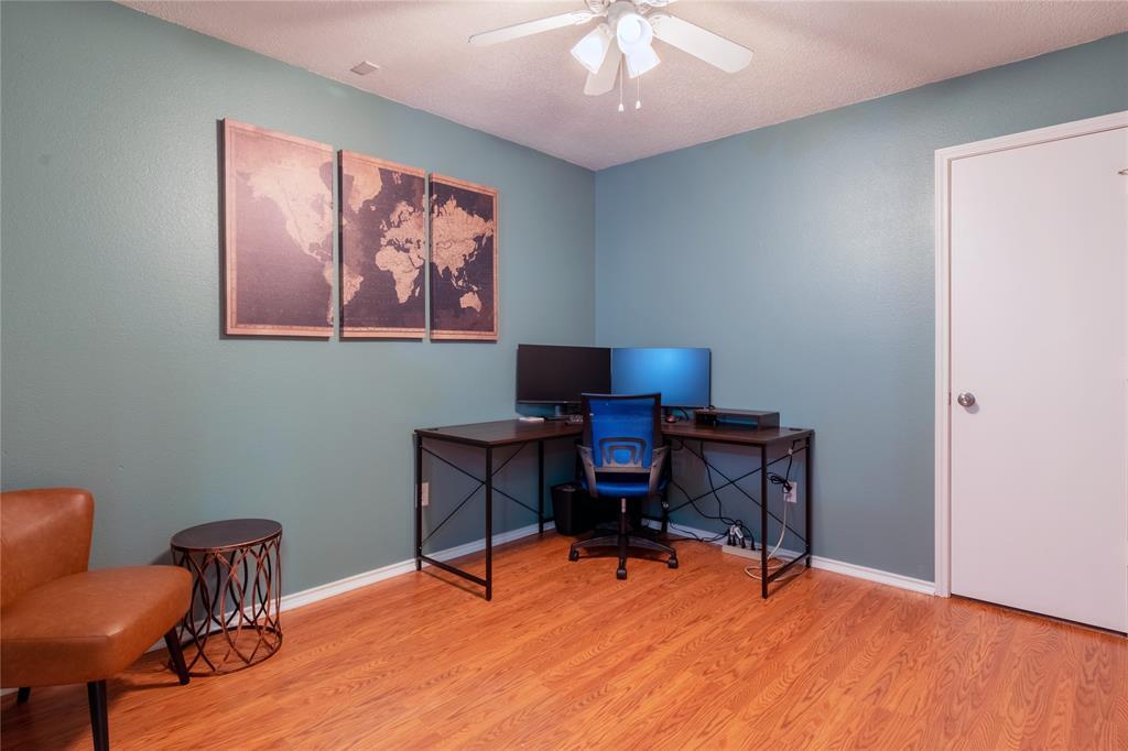 520 Majestic Park  Lane, Cedar Hill, Texas 75104 - acquisto real estate best designer and realtor hannah ewing kind realtor