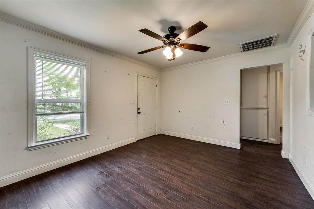 2522 High Crest  Avenue, Fort Worth, Texas 76111 - acquisto real estate best celina realtor logan lawrence best dressed realtor