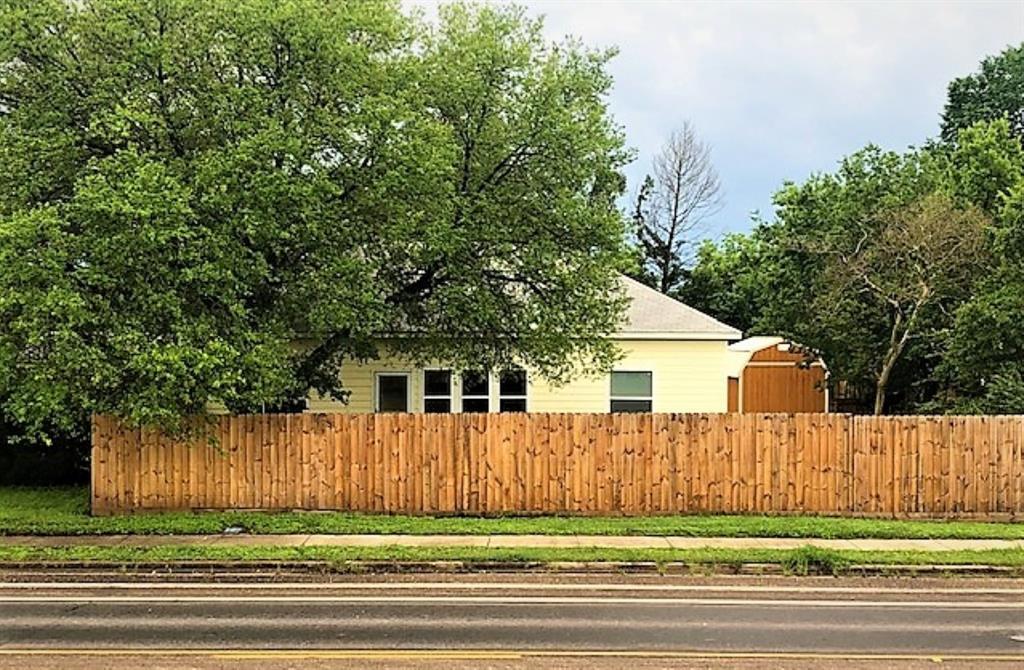 200 3rd  Street, Wortham, Texas 76693 - Acquisto Real Estate best frisco realtor Amy Gasperini 1031 exchange expert