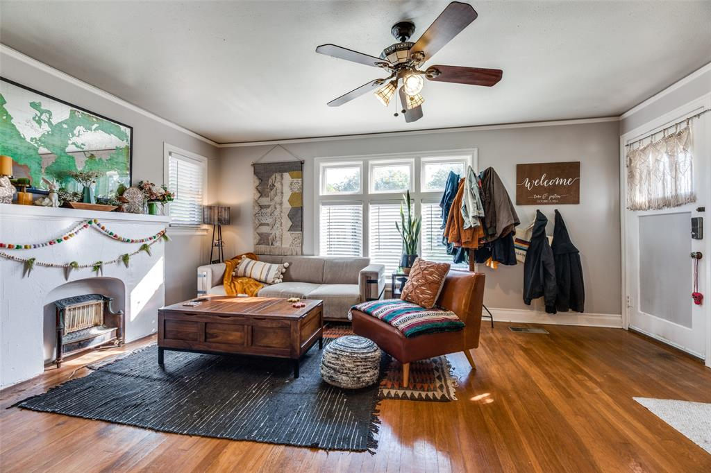 2419 Grigsby  Avenue, Dallas, Texas 75204 - acquisto real estate best flower mound realtor jody daley lake highalands agent of the year