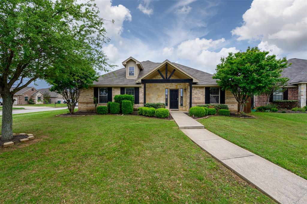908 Glenview  Circle, Aubrey, Texas 76227 - Acquisto Real Estate best plano realtor mike Shepherd home owners association expert