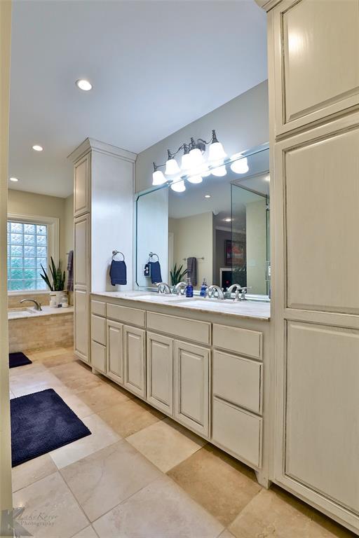 801 Rivercrest  Drive, Abilene, Texas 79605 - acquisto real estate best realtor dallas texas linda miller agent for cultural buyers