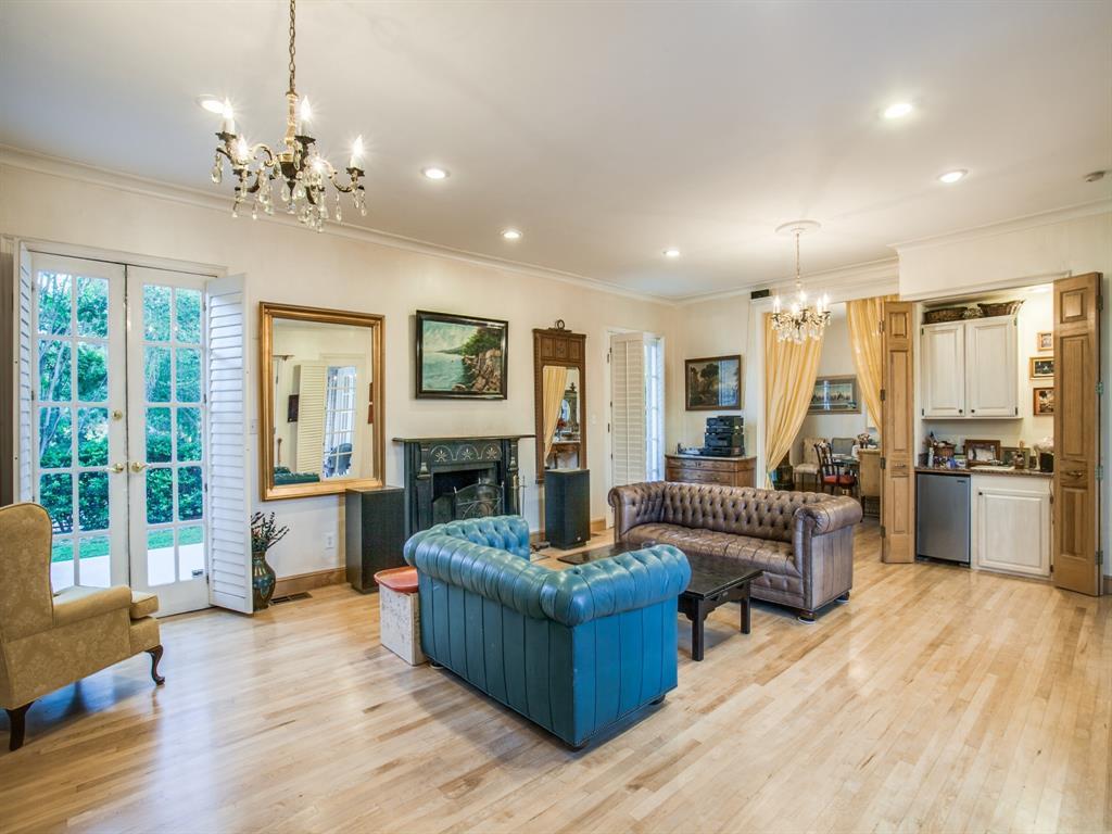 2309 Auburn  Avenue, Dallas, Texas 75214 - acquisto real estate best real estate company to work for