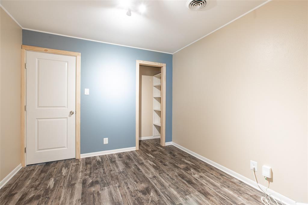 212 Huitt  Lane, Euless, Texas 76040 - acquisto real estate best designer and realtor hannah ewing kind realtor