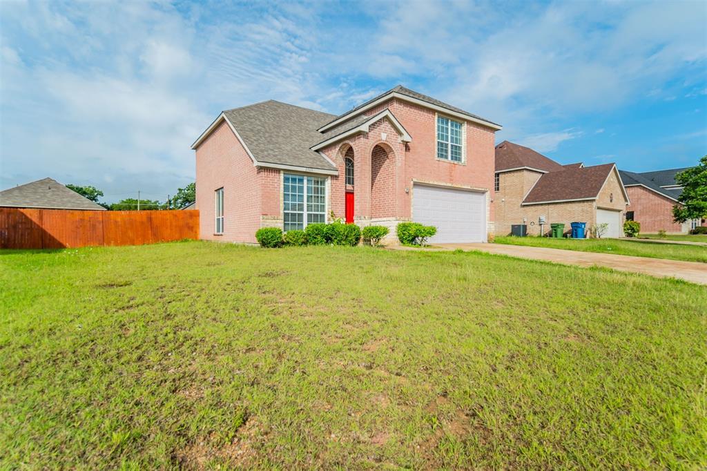 2703 Maci  Court, Seagoville, Texas 75159 - acquisto real estate best photos for luxury listings amy gasperini quick sale real estate