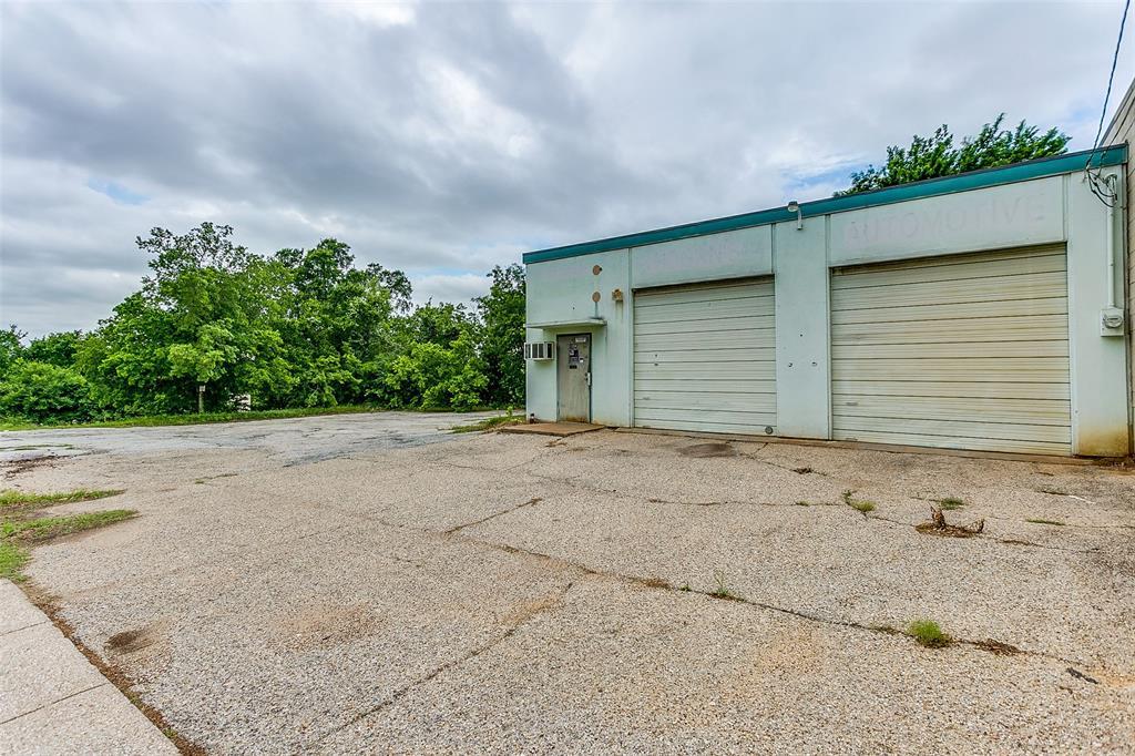1004 Bluff  Street, Fort Worth, Texas 76102 - Acquisto Real Estate best frisco realtor Amy Gasperini 1031 exchange expert
