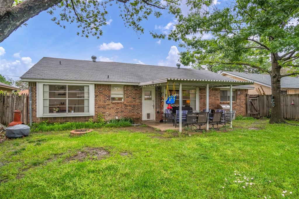 1522 Hillwood  Drive, Mesquite, Texas 75149 - acquisto real estate best frisco real estate agent amy gasperini panther creek realtor