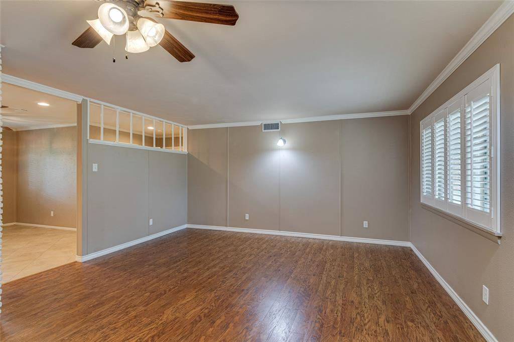 22 Shadowbrook  Lane, Hurst, Texas 76053 - acquisto real estate best new home sales realtor linda miller executor real estate