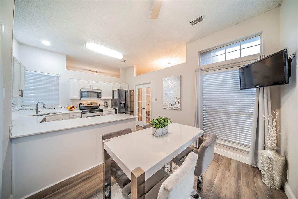 210 Chamblin  Drive, Cedar Hill, Texas 75104 - acquisto real estate best the colony realtor linda miller the bridges real estate