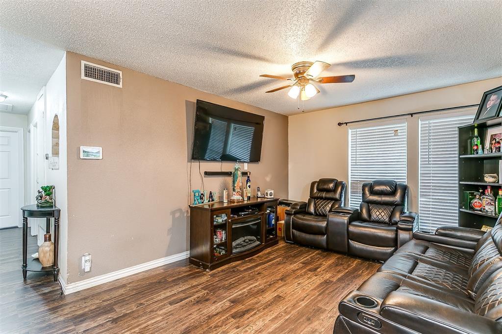 2214 Ridgeway  Street, Arlington, Texas 76010 - acquisto real estate best luxury buyers agent in texas shana acquisto inheritance realtor