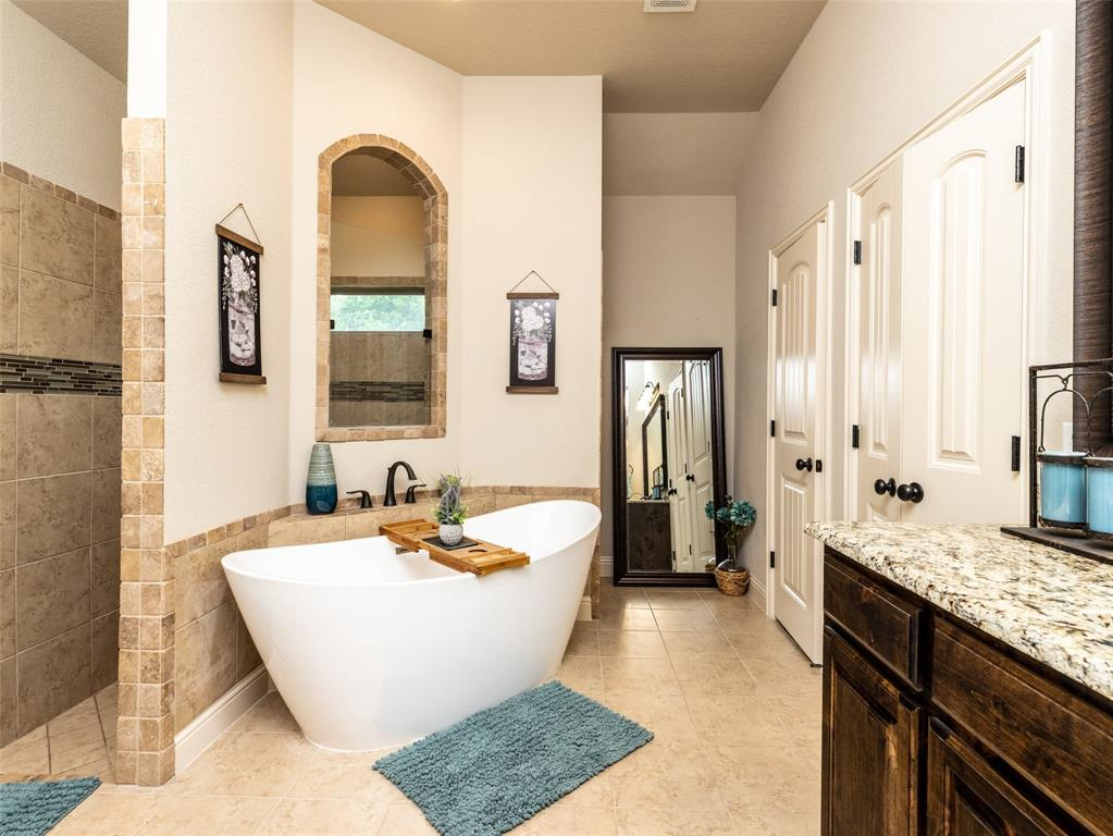 13057 Chisholm Ranch  Drive, Fort Worth, Texas 76052 - acquisto real estate best realtor foreclosure real estate mike shepeherd walnut grove realtor