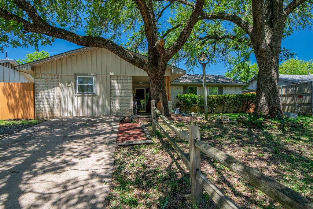 1001 Martin  Lane, Sherman, Texas 75090 - Acquisto Real Estate best plano realtor mike Shepherd home owners association expert