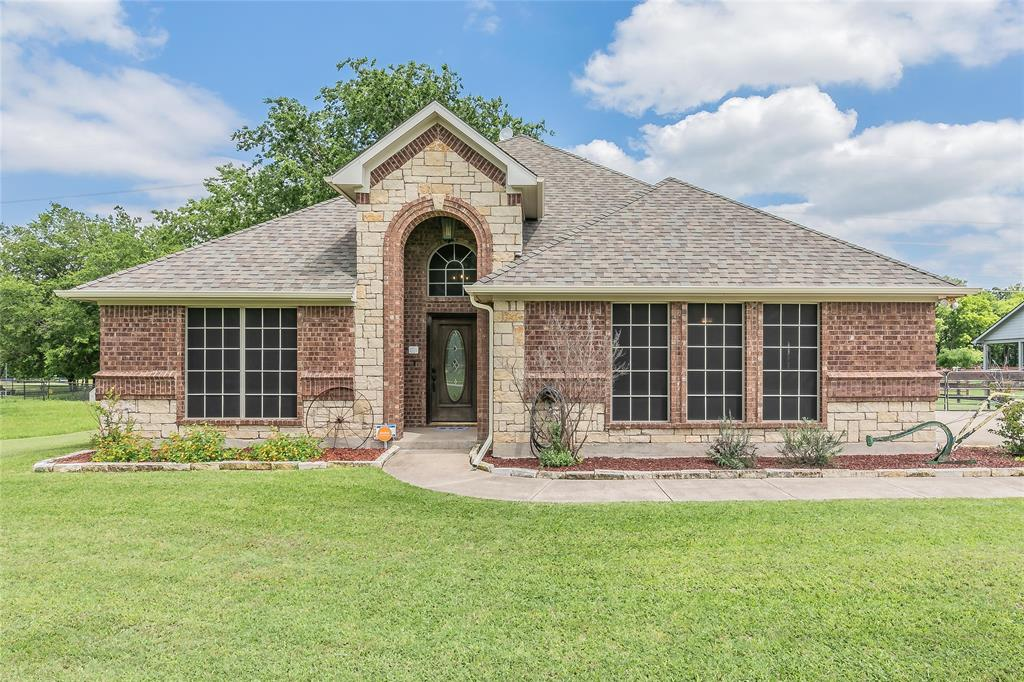 132 Fossil Rock  Drive, Azle, Texas 76020 - Acquisto Real Estate best plano realtor mike Shepherd home owners association expert