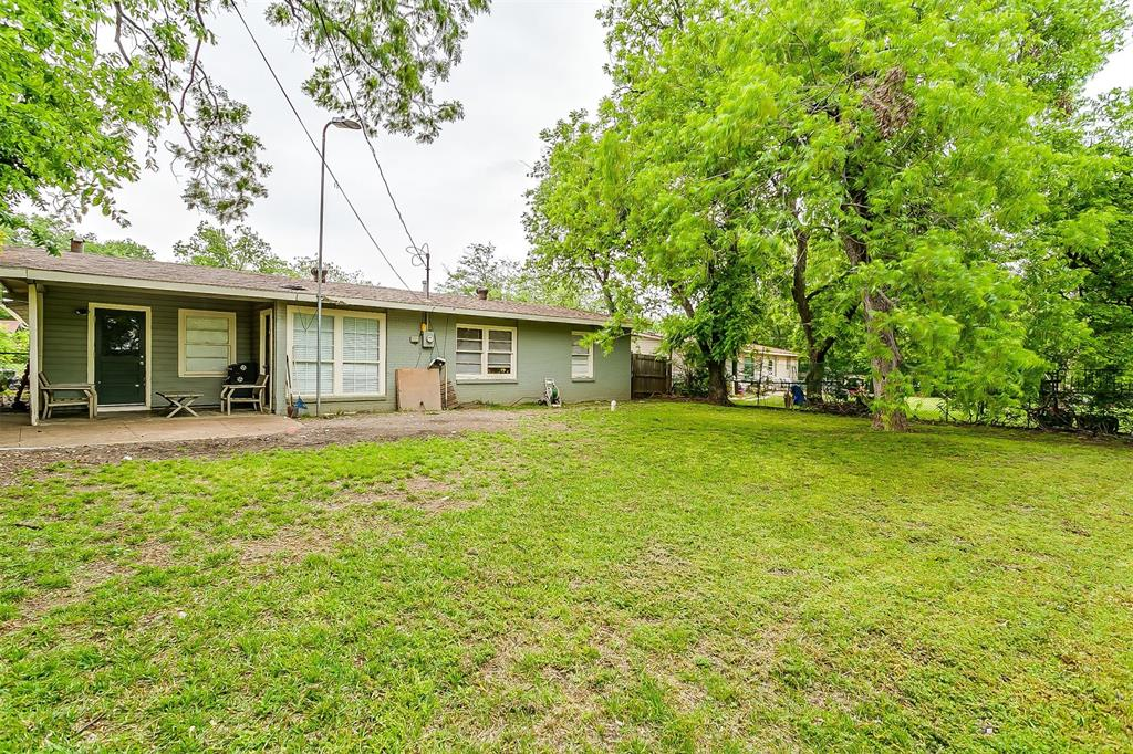 2214 Ridgeway  Street, Arlington, Texas 76010 - acquisto real estate best photo company frisco 3d listings