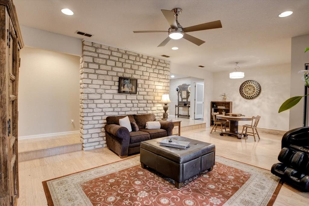 4315 Fairway  Drive, Granbury, Texas 76049 - acquisto real estate best flower mound realtor jody daley lake highalands agent of the year