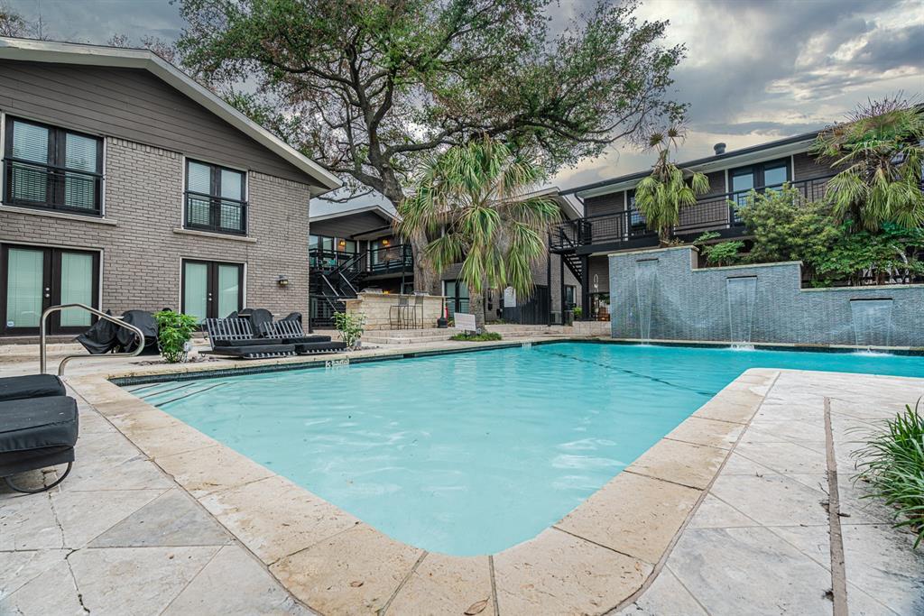 10209 Regal Oaks  Drive, Dallas, Texas 75230 - acquisto real estate best realtor dallas texas linda miller agent for cultural buyers