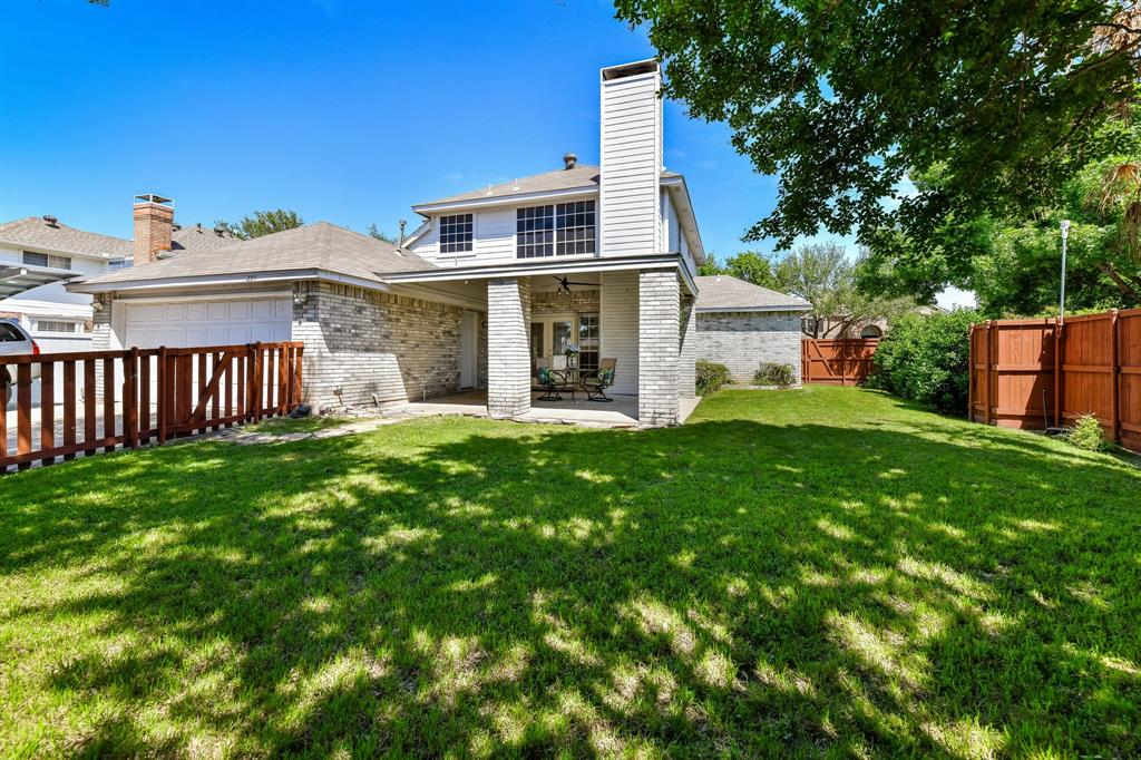 2311 Norwich  Drive, Carrollton, Texas 75006 - acquisto real estate best park cities realtor kim miller best staging agent