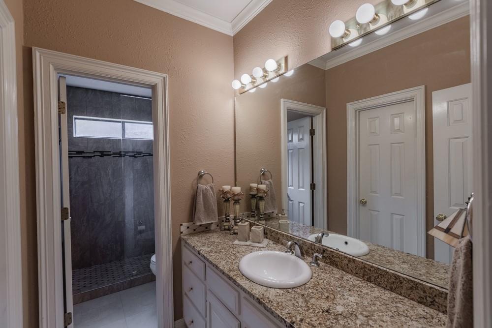 6917 Hillpark  Drive, Dallas, Texas 75230 - acquisto real estate best realtor westlake susan cancemi kind realtor of the year