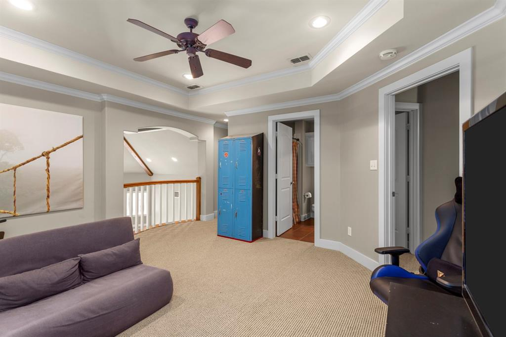 1910 Stonegate  Place, Tyler, Texas 75703 - acquisto real estate best plano real estate agent mike shepherd