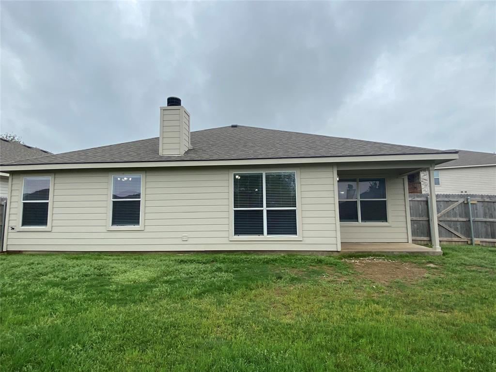 940 Rio Bravo  Drive, Fort Worth, Texas 76052 - acquisto real estate best realtor foreclosure real estate mike shepeherd walnut grove realtor