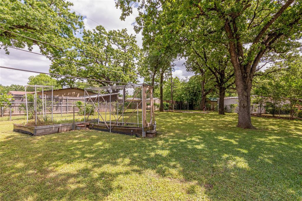 22 Shadowbrook  Lane, Hurst, Texas 76053 - acquisto real estate best looking realtor in america shana acquisto