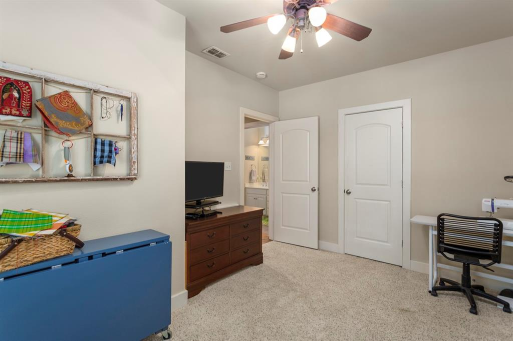 1910 Stonegate  Place, Tyler, Texas 75703 - acquisto real estate mvp award real estate logan lawrence