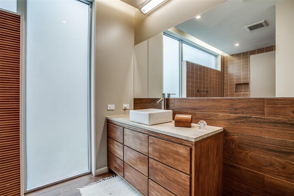 14 Vanguard  Way, Dallas, Texas 75243 - acquisto real estate best realtor foreclosure real estate mike shepeherd walnut grove realtor