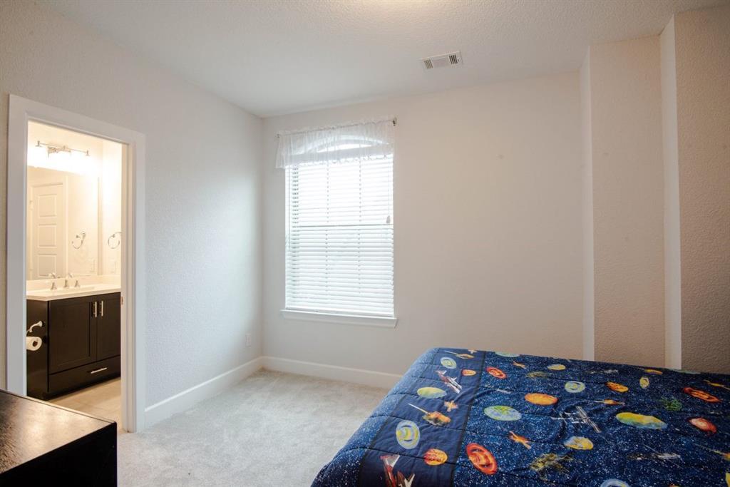 1140 Manacor  Lane, Dallas, Texas 75212 - acquisto real estate best realtor foreclosure real estate mike shepeherd walnut grove realtor