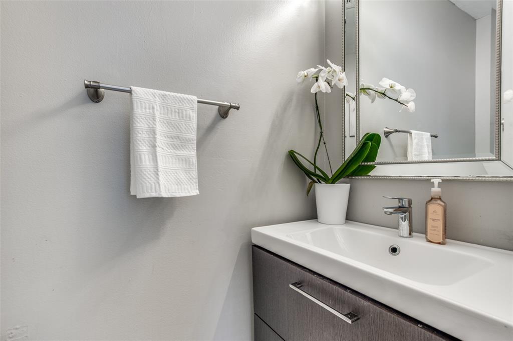 1704 Endicott  Drive, Plano, Texas 75025 - acquisto real estate best plano real estate agent mike shepherd