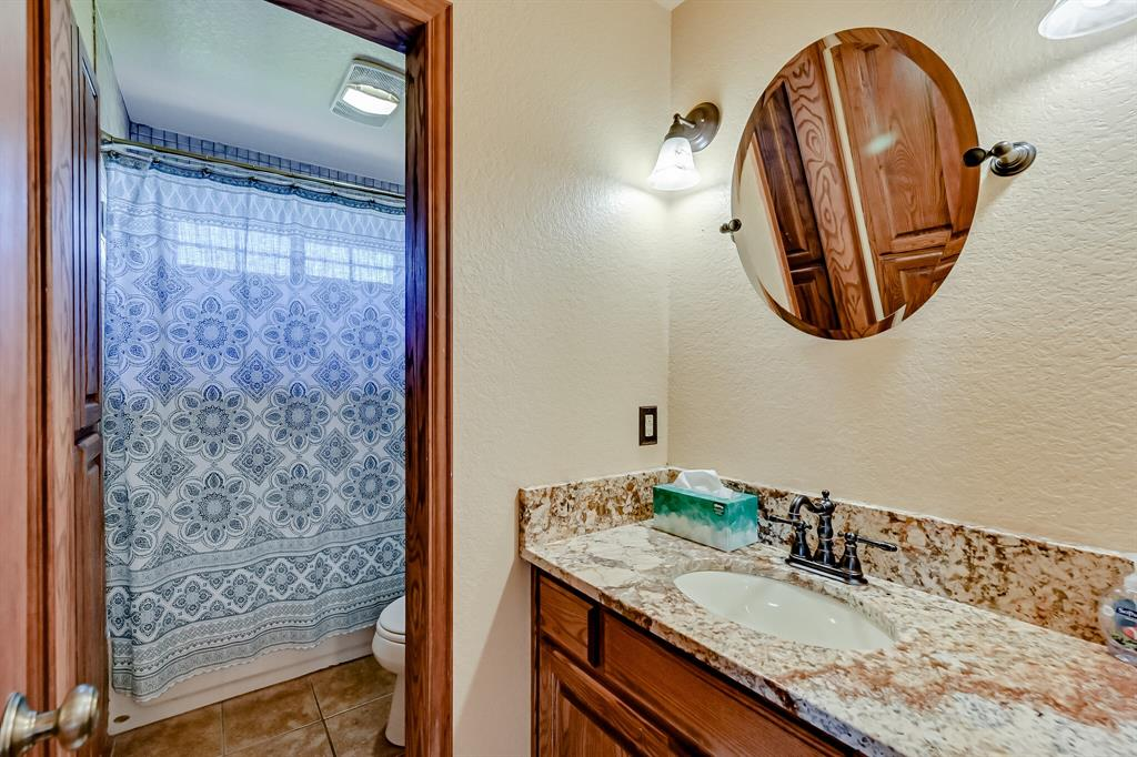 7431 Drury Cross  Road, Burleson, Texas 76028 - acquisto real estate best frisco real estate agent amy gasperini panther creek realtor