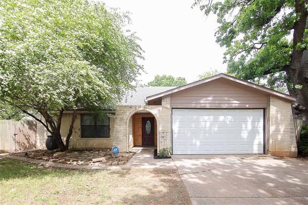 1307 Shady  Hollow, Euless, Texas 76039 - Acquisto Real Estate best plano realtor mike Shepherd home owners association expert