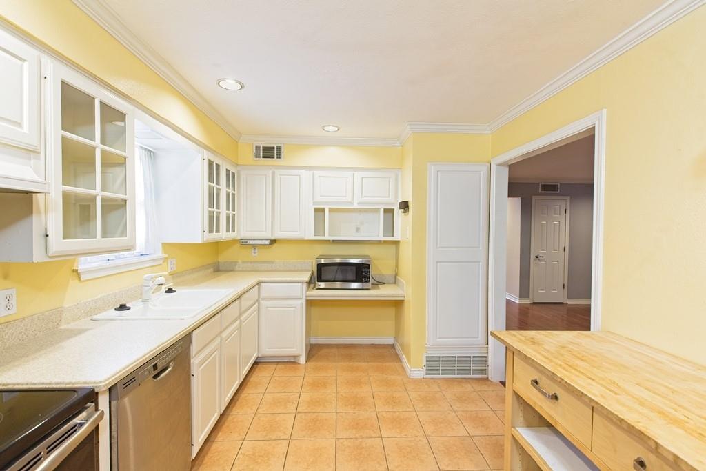8635 Shagrock  Lane, Dallas, Texas 75238 - acquisto real estate best designer and realtor hannah ewing kind realtor