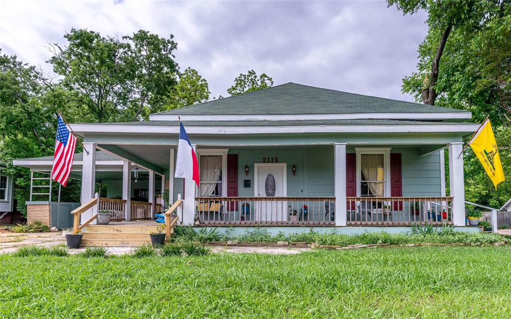 2115 WALWORTH  Greenville, Texas 75401 - Acquisto Real Estate best plano realtor mike Shepherd home owners association expert