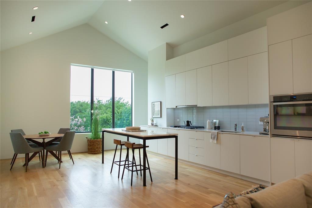 1504 Burlew  Street, Dallas, Texas 75204 - Acquisto Real Estate best frisco realtor Amy Gasperini 1031 exchange expert