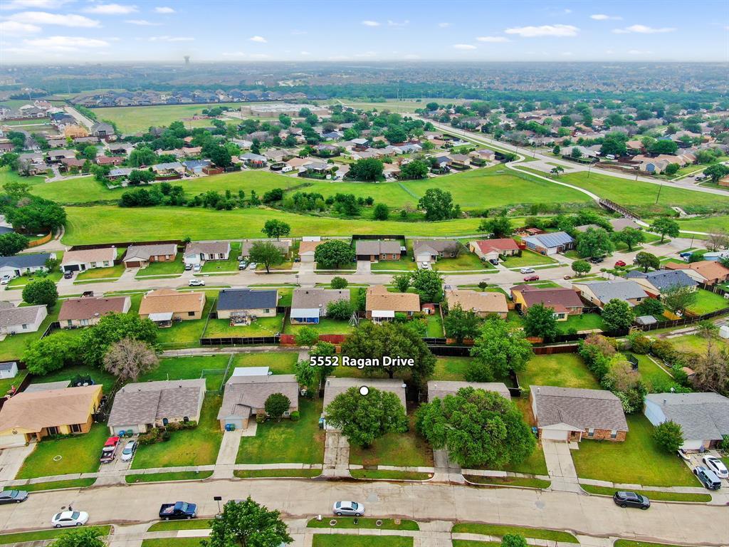 5552 Ragan  Drive, The Colony, Texas 75056 - acquisto real estate best realtor dfw jody daley liberty high school realtor
