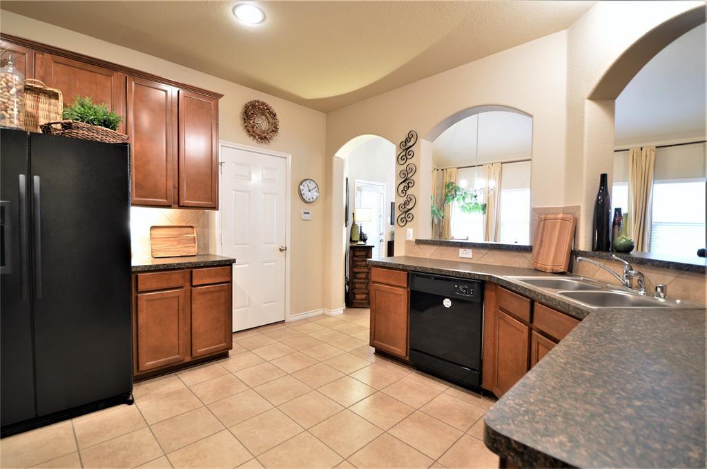 917 Appalachian  Lane, Savannah, Texas 76227 - acquisto real estate best celina realtor logan lawrence best dressed realtor