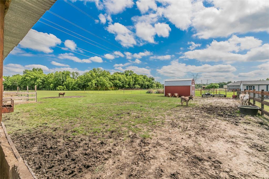 132 Fossil Rock  Drive, Azle, Texas 76020 - acquisto real estate mvp award real estate logan lawrence