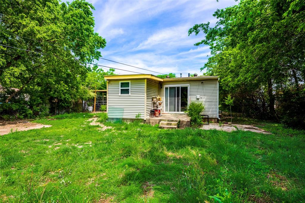2522 High Crest  Avenue, Fort Worth, Texas 76111 - acquisto real estate best realtor dallas texas linda miller agent for cultural buyers