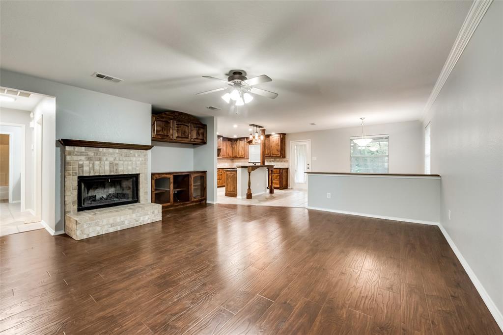 1012 Heberle  Drive, Burleson, Texas 76028 - acquisto real estate best prosper realtor susan cancemi windfarms realtor