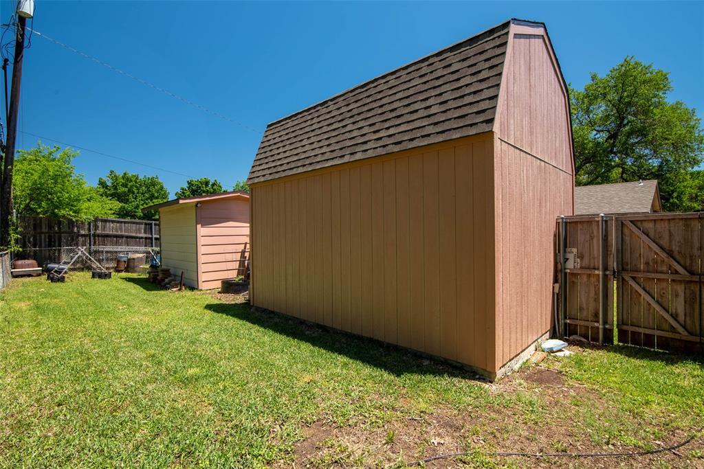 1001 Martin  Lane, Sherman, Texas 75090 - acquisto real estate best realtor foreclosure real estate mike shepeherd walnut grove realtor